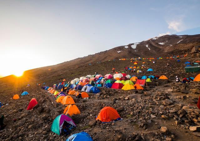 کوهنوردی در دماوند را تعطیل کنید