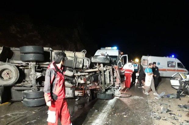 حادثه رانندگی در محور بم - زاهدان و مصدومیت 13 نفر