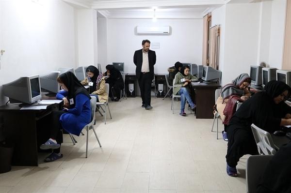 آزمون خاتمه ترم هنرآموزان صنایع دستی خراسان شمالی برگزار گردید