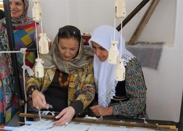 صنایع دستی زنان در بازار داخل و خارج قابل رقابت می شوند، سازوکارهای برندشدن منسوجات روستاییان