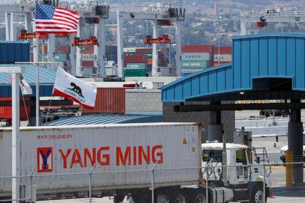 مازاد تجاری چین با آمریکا به شدت کاهش یافت