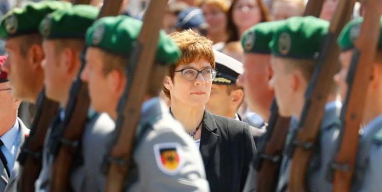 وزیر دفاع آلمان خواهان تقویت روابط نظامی با آمریکا شد
