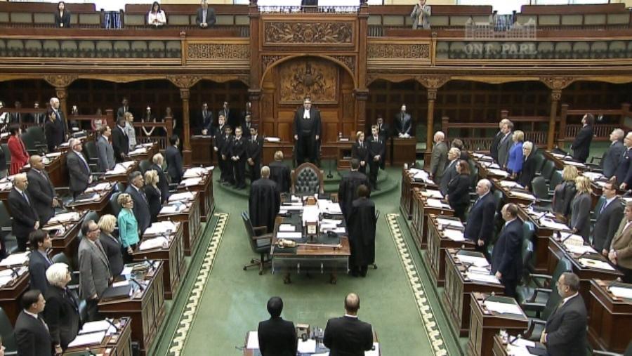 معترضان استان آنتاریو کانادا وارد مجلس محلی شدند