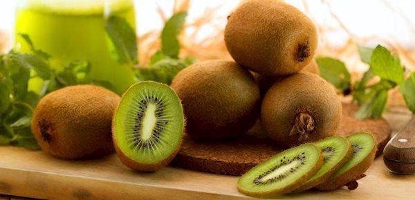 10 میوه برای پاکسازی بدن در روزهای کرونایی