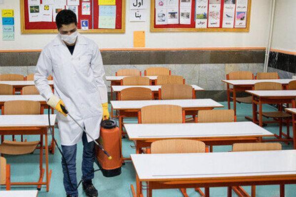 توضیحات وزیر بهداشت درباره تعطیلی مدارس و دانشگاه ها در پاییز ، برای بازگشایی مدارس خیلی مقاومت کردم