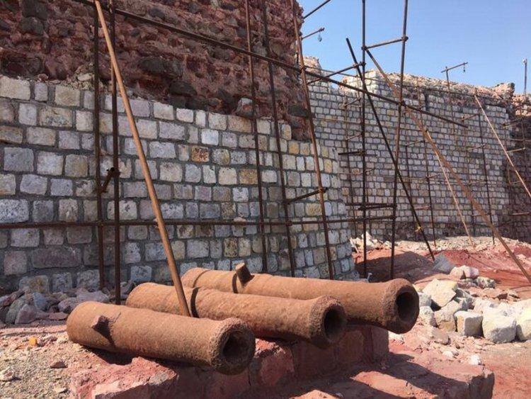 (تصاویر) فاجعه در بازسازی قلعه پرتغالی ها