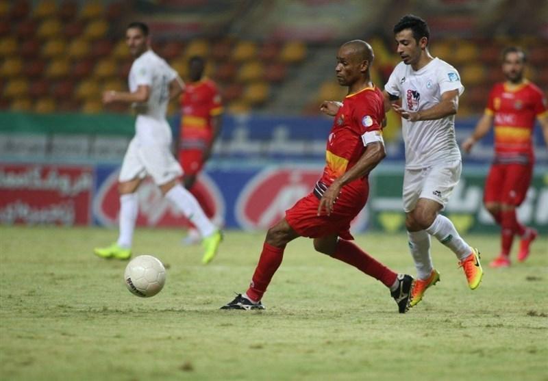 لیگ برتر فوتبال، فولاد قهرمانی پرسپولیس را به تأخیر انداخت، ویسی سکته نکرد، پاشازاده اولین امتیاز را گرفت