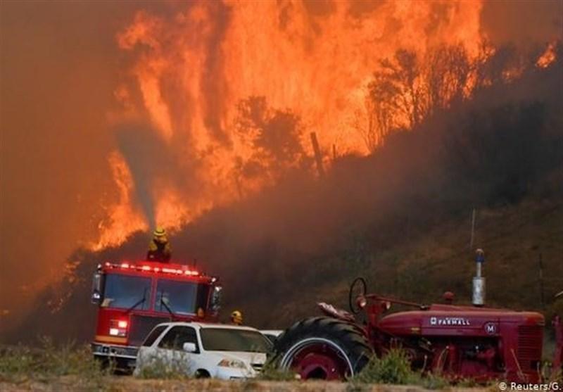 غرب آمریکا در آتش؛ 3 هفته طول کشید تا ترامپ به آن اشاره کند