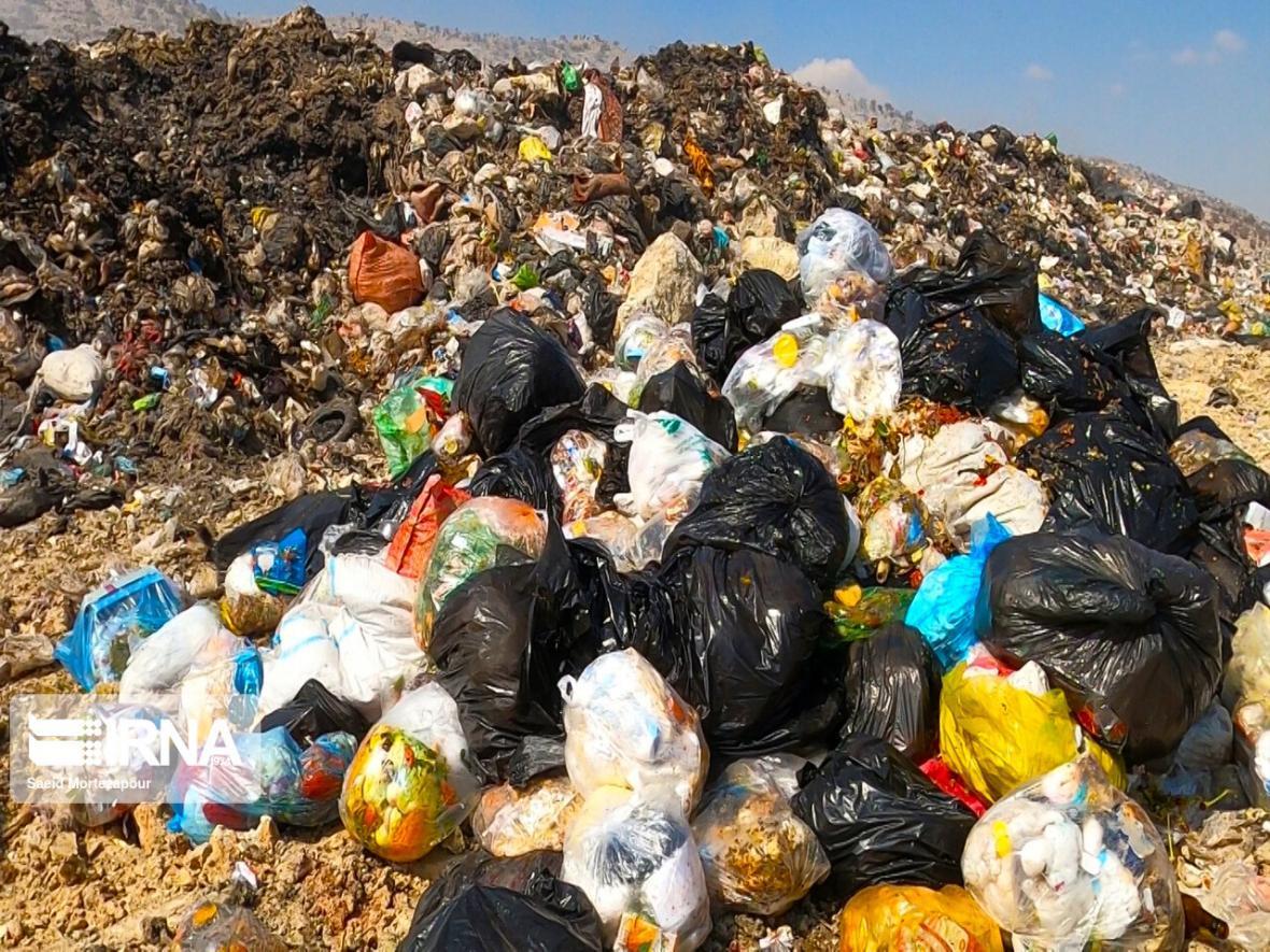 خبرنگاران شهروندان شهرکردی کیسه های زباله کرونایی را مجزا و معین نمایند