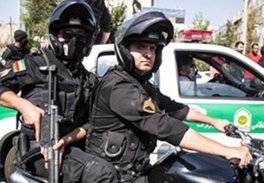 تیراندازی در نازی آباد تهران، با انجام کار اطلاعاتی و پلیسی مخفیگاه متهم شناسایی شد، متهم از اراذل و اوباش سطح یک است