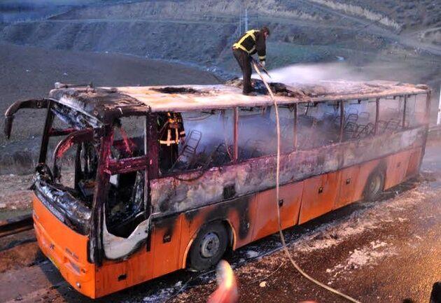 خبرنگاران آتش سوزی در اتوبوس یزد به زاهدان مهار شد