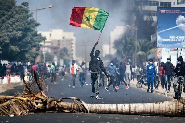 معترضان در سنگال با پلیس درگیر شدند