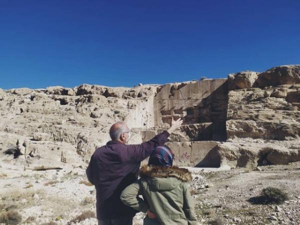 تکمیل طرح بازسازی ایوان قدمگاه در ارسنجان
