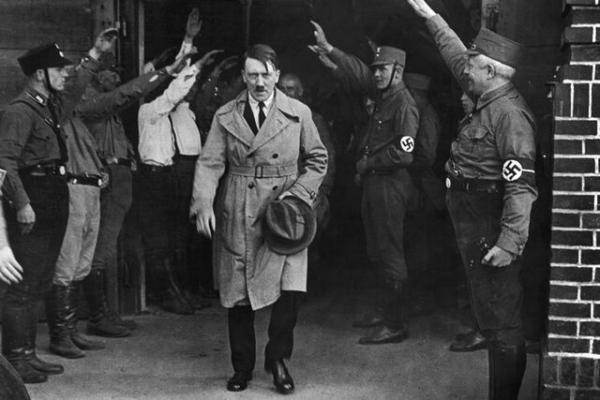 کاش هیتلر هنردوست نبود!